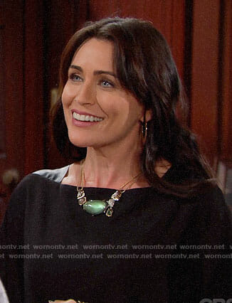 Quinn's green sparkly necklace on The Bold and the Beautiful