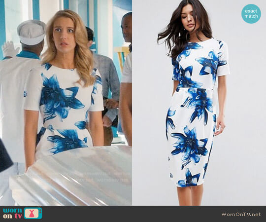 ASOS Wiggle Dress In Blue Floral worn by Yael Grobglas on Jane the Virgin