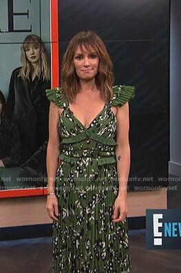 Catt's green floral ruffled dress on E! News