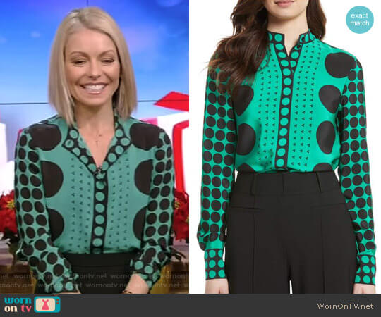 Print Silk Blouse by Diane von Furstenberg worn by Kelly Ripa (Kelly Ripa) on Live with Kelly & Ryan