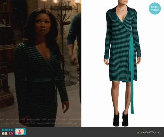 Checkered Wrap Dress by Diane von Furstenberg worn by Catherine Wilder (Angel Parker) on Marvels Runaways
