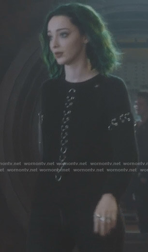 Lorna's black ring sweater on The Gifted