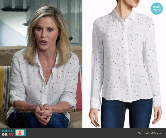 Rails Sydney Star Print Shirt worn by Julie Bowen on Modern Family