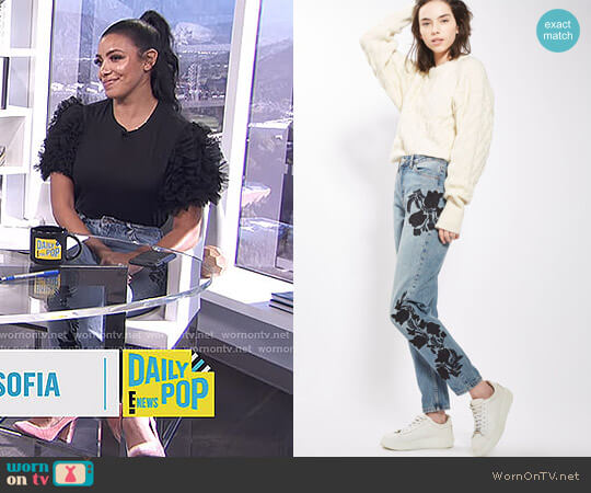 MOTO Floral Embroidered Mom Jeans by Topshop worn by Julissa Bermudez on E! News