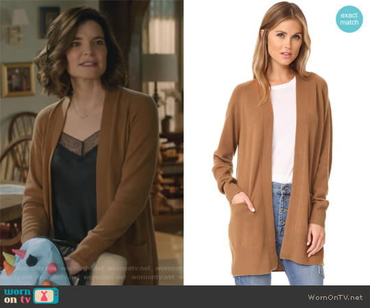 Raglan Sleeve Cashmere Cardigan by Vince worn by Betsy Brandt on Life in Pieces