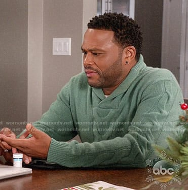 Andre's green cable knit sweater on Black-ish