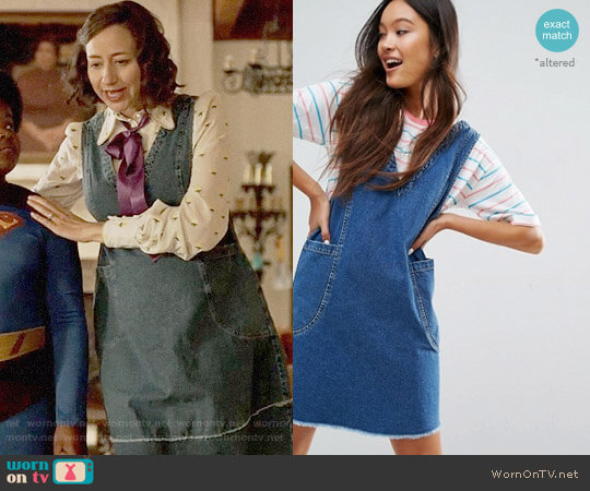 ASOS Denim Chuck On Mini Dress worn by Kristen Schaal on Last Man On Earth