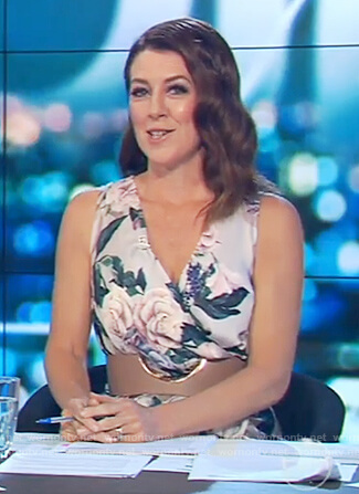 Gorgi's v-neck floral print dress on The Project