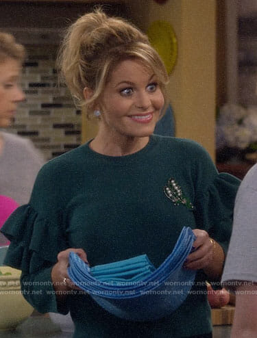 DJ's green embellished sweater with ruffled sleeves on Fuller House