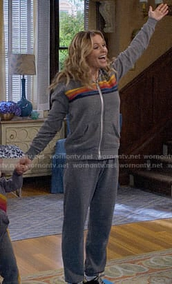 DJ's grey striped track suit on Fuller House