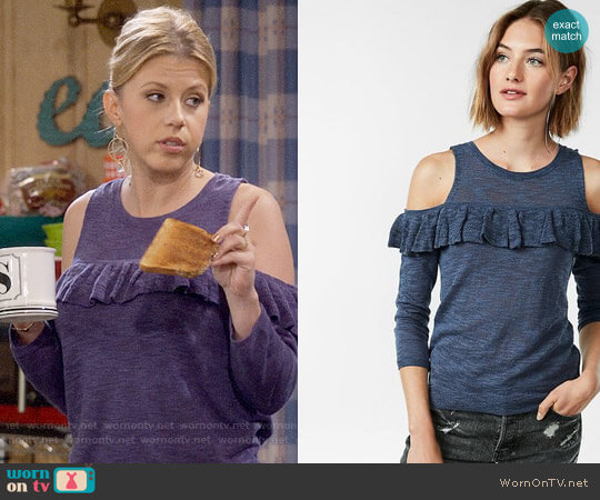 Express Ruffle Yoke Cold Shoulder Sweater worn by Jodie Sweetin on Fuller House