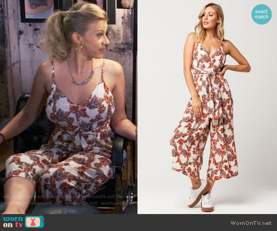 Free People Hot Tropics Jumpsuit worn by Stephanie Tanner (Jodie Sweetin) on Fuller House