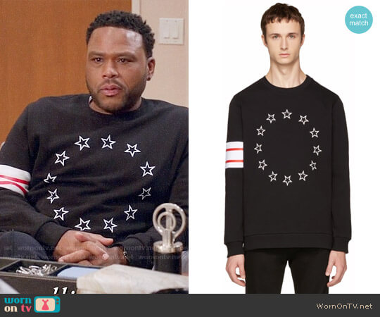 Givenchy Black Circle Stars Sweatshirt worn by Anthony Anderson on Blackish