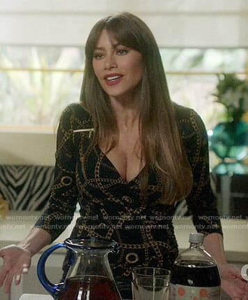 Gloria's black chain print top on Modern Family