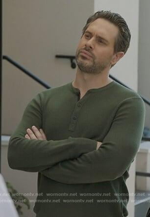 Matt's green textured long sleeve shirt on Life in Pieces