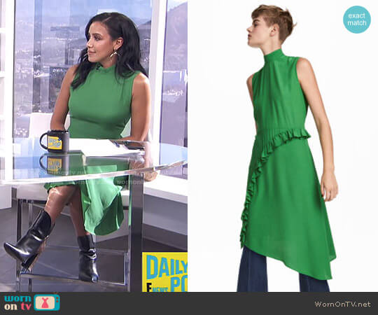 Crêped Dress by H&M worn by Julissa Bermudez  on E! News