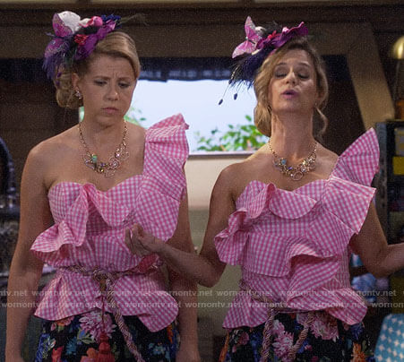 Kimmy and Stephanie's pink checked ruffle top on Fuller House