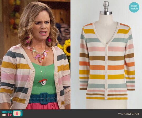 ModCloth Charter School Cardigan in Froyo worn by Andrea Barber on Fuller House