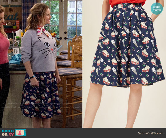 ModCloth Sweet Spot A-Line Skirt worn by Andrea Barber on Fuller House