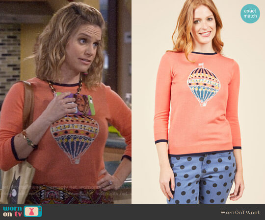 ModCloth The Air Up There Sweater worn by Andrea Barber on Fuller House