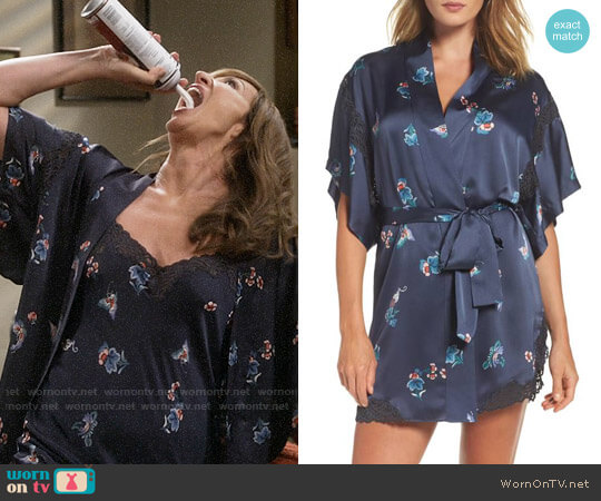 Natori Papillon Print Wrap worn by Allison Janney on Mom