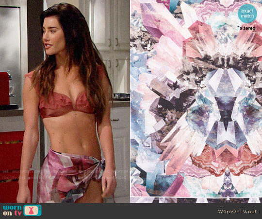 Ted Baker Mirrored Minerals Silk Cape Scarf worn by Steffy Forrester (Jacqueline MacInnes Wood) on The Bold & the Beautiful