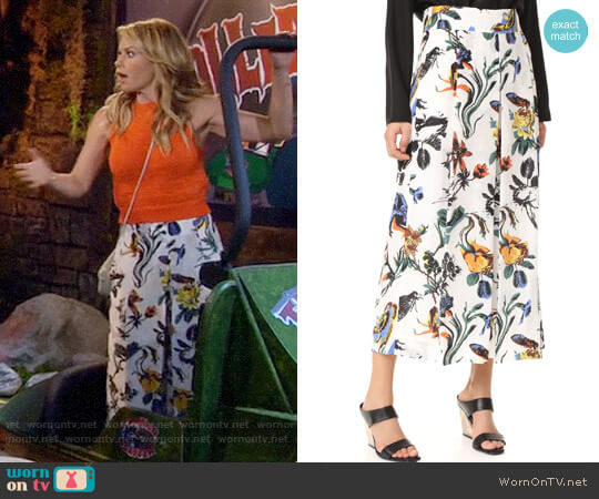 Tibi Gothic Floral Nerd Pants worn by Candace Cameron Bure on Fuller House