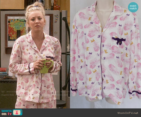 Victoria's Secret Feather Print Pajama Set worn by Penny Hofstadter (Kaley Cuoco) on The Big Bang Theory
