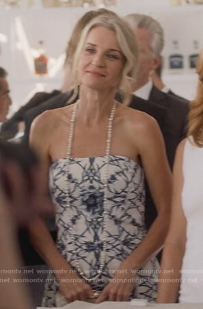 Janet's white print strapless dress on Marvel's Runaways