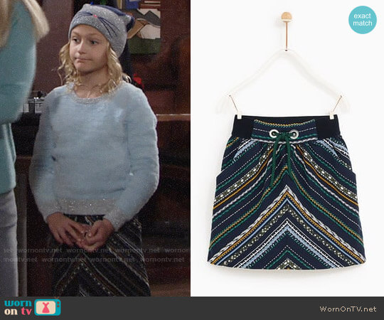 Zara Jacquard Skirt with Central Cord worn by Alyvia Alyn Lind on The Young & the Restless