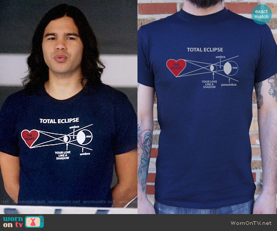 6 Dollar Shirts Total Eclipse T-shirt worn by Caitlin Snow (Danielle Panabaker) on The Flash