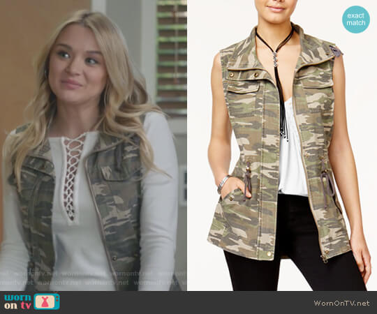 Juniors' Camouflage Utility Vest by American Rag worn by Hunter King on Life in Pieces