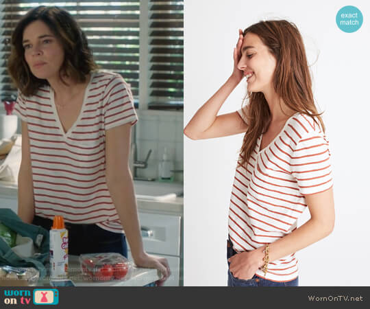 Whisper Cotton V-Neck Pocket Tee in Abilene Stripe by Madewell worn by Heather Hughes (Betsy Brandt) on Life in Pieces