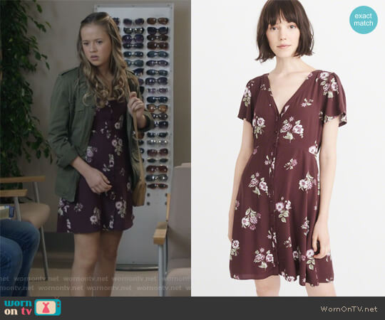 Button-up Mini Dress by Abercrombie & Fitch worn by Samantha Hughes (Holly Barrett) on Life in Pieces