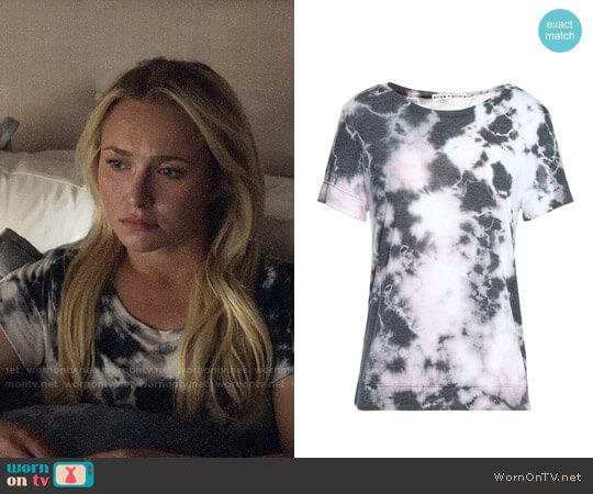Alice + Olivia Tie Dye T-shirt worn by Hayden Panettiere on Nashville
