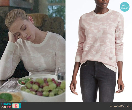 Banana Republic Camo Print Jacquard Crew worn by Betty Cooper (Lili Reinhart) on Riverdale