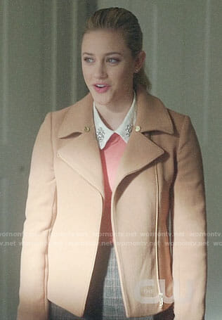 Betty's camel jacket on Riverdale