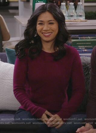 Eve's burgundy crewneck sweater on 9JKL