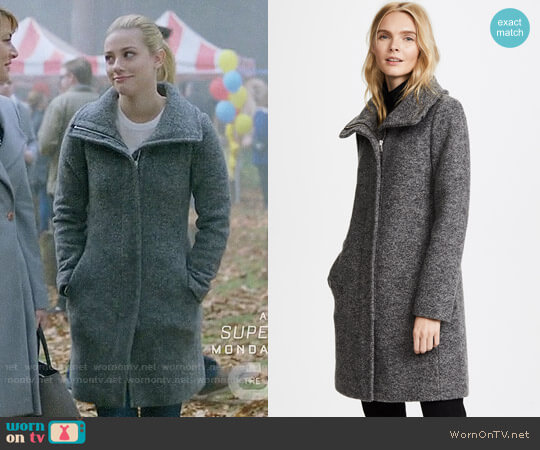 Club Monaco Darelle Coat worn by Lili Reinhart on Riverdale