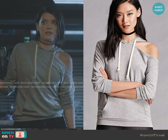 One-Shoulder Heathered Hoodie by Forever 21 worn by Sage (Hayley Lovitt) on The Gifted