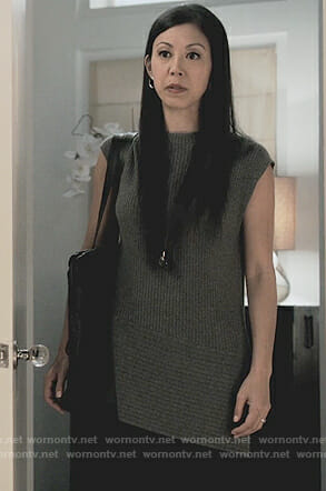 Tina's gray ribbed sweater on Marvel's Runaways