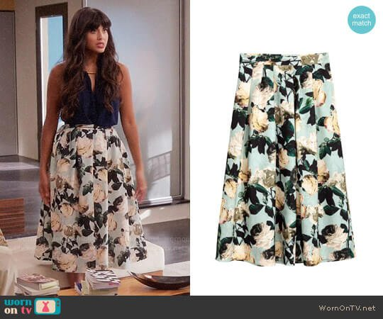 H&M Calf-length Skirt in Mint Green/Floral worn by Jameela Jamil on The Good Place
