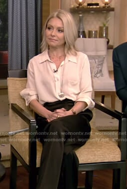 Kelly's three quarter sleeve blouse and black wide-leg pants on Live with Kelly and Ryan