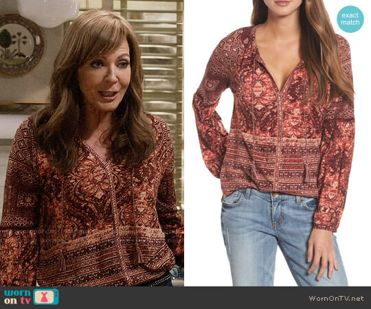 Lucky Brand Mixed Print Top worn by Bonnie Plunkett (Allison Janney) on Mom