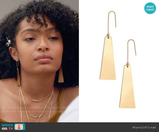 Petaldrop Earrings by Madewell worn by Zoey Johnson (Yara Shahidi) on Grown-ish