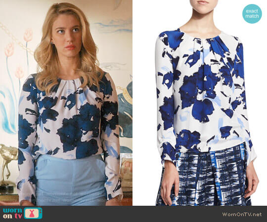 Oscar de la Renta Floral-Print Pleated Silk Blouse worn by Petra Solano (Yael Grobglas) on Jane the Virgin