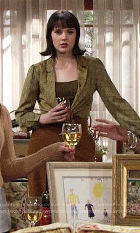 Tessa's green tie-front crop top on The Young and the Restless
