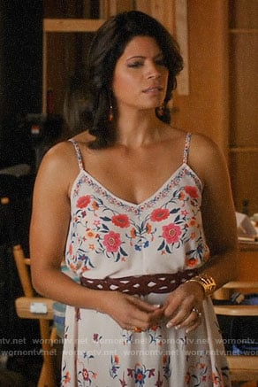 Petra's pink jumpsuit with cutout on Jane the Virgin