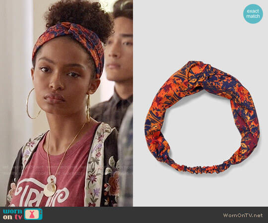 Zara Faded Print Headband worn by Zoey Johnson (Yara Shahidi) on Grown-ish