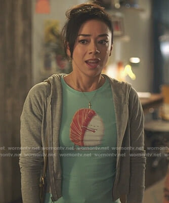 Ella's green sushi t-shirt on Lucifer